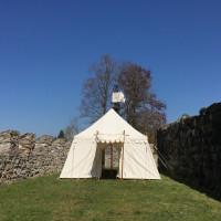 Schloss_Hallwyl_Landsknecht_offen_vonweitem